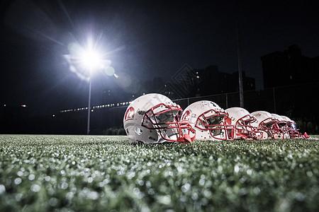 橄榄球运动员头盔图片
