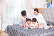 家庭生活卧室看书500961517图片