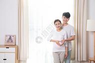 夫妻孕妇呵护图片