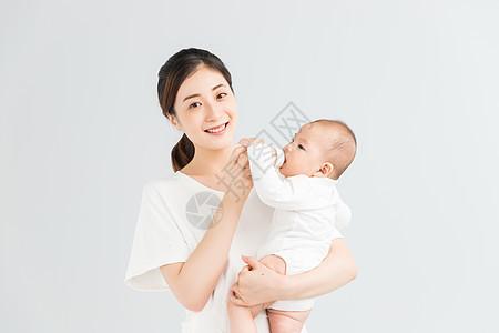 母婴妈妈给宝宝喂奶图片