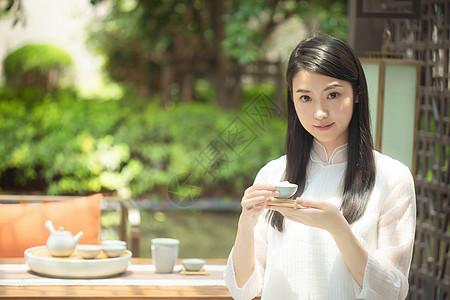 室外茶艺美女图片