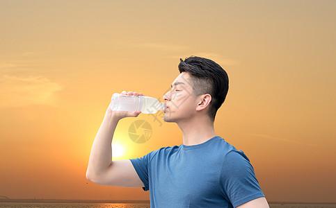 高温中暑的男士图片