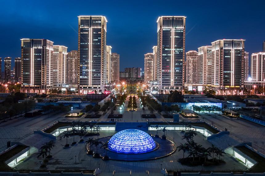 武汉商务区的最美地铁站图片