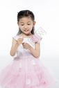 小公主自己化妆图片