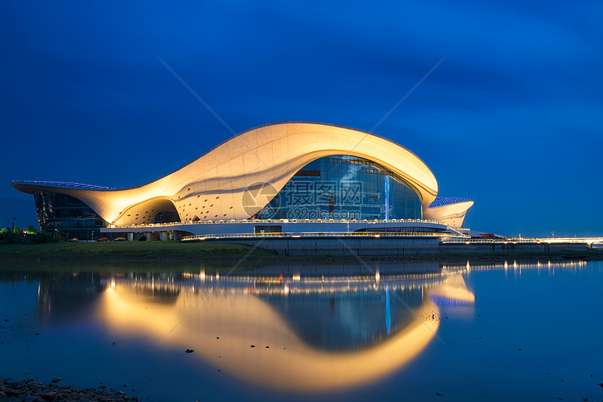 江西九江地标建筑造型漂亮的艺术中心图片
