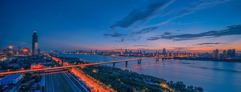 晚霞下的武汉长江二桥全景长片图片