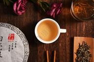一杯泡好的下午茶图片