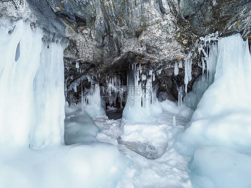 贝加尔湖冰挂图片