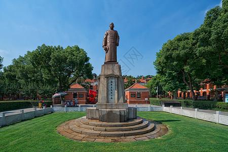 武汉街头孙中山雕像图片