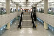 地铁站电梯设施图片