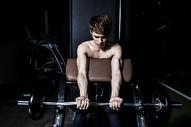 男士健身500966702图片