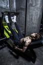 健身男士腿部肌肉训练图片