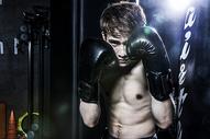 男士健身拳击500966852图片