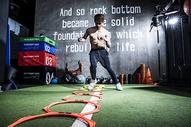 男士健身障碍跑500966856图片