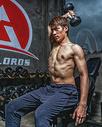 健身房强壮男性哑铃运动500966971图片