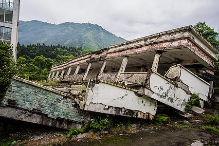 汶川地震遗址公园图片