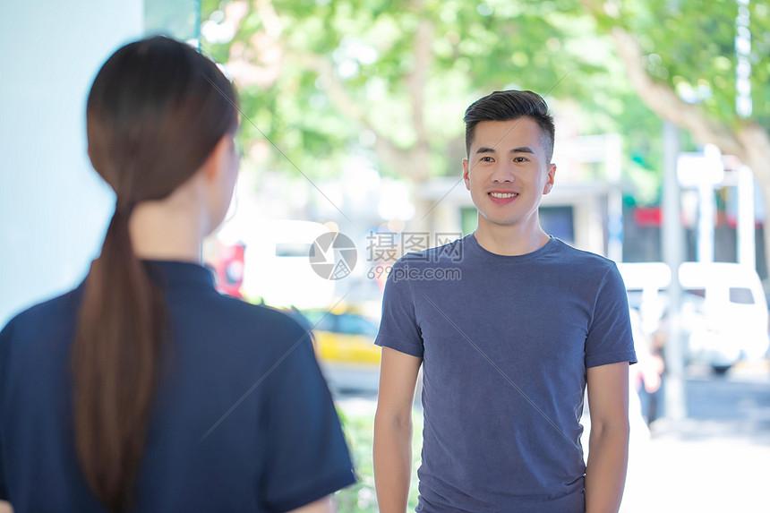 微笑服务图片