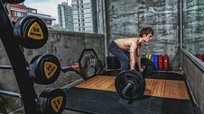 健身房强壮男性杠铃运动500969109图片