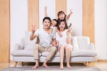 幸福快乐的一家人图片