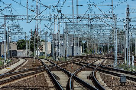 通向远方的铁路运输图片
