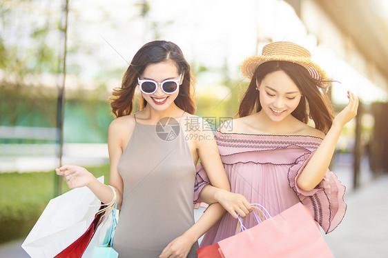 闺蜜购物图片
