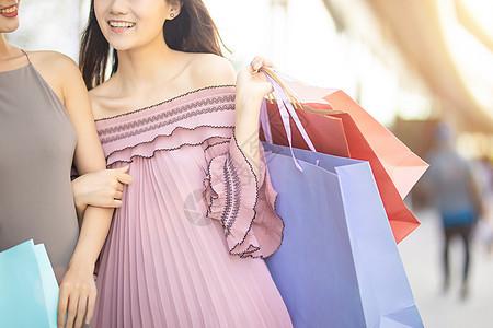 女生购物图片