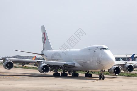 飞机场的飞机图片