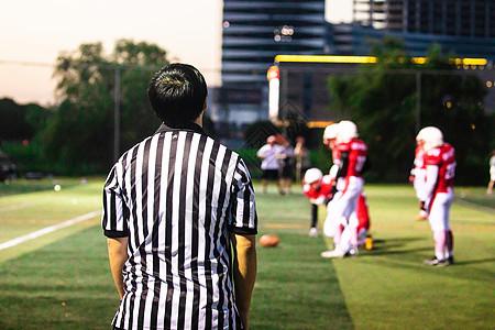 橄榄球裁判图片