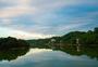 婺源湖边傍晚时分图片