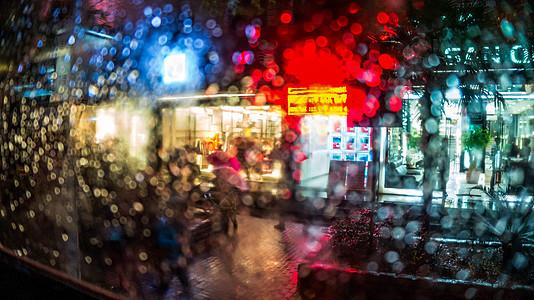 雨天公交车窗图片