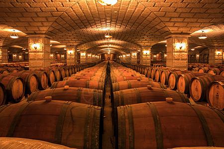 地下酒窖图片