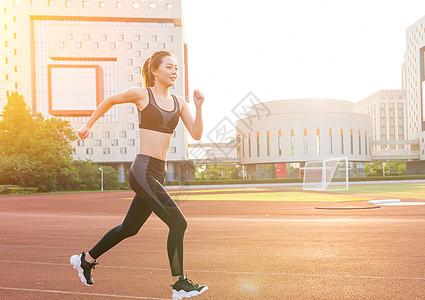 跑步运动美女图片