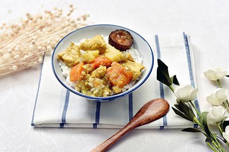 咖喱鸡肉盖饭图片
