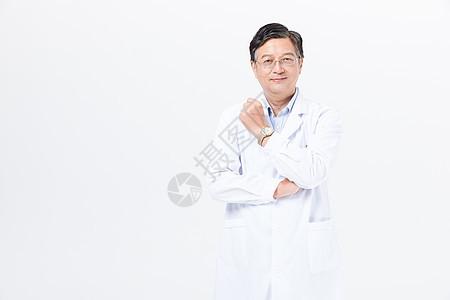 老年医生穿白大褂形象图片