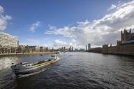 伦敦泰晤士河风光图片