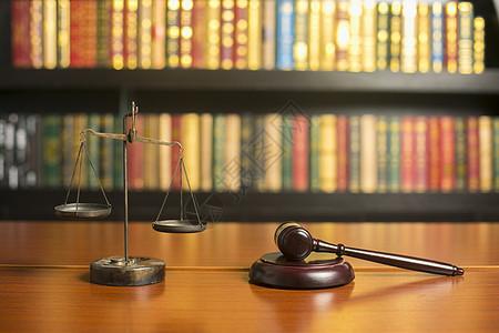 法治公平图片