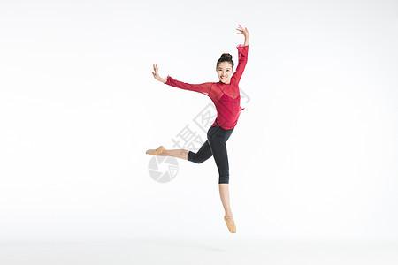 舞蹈美女跳舞跳跃图片