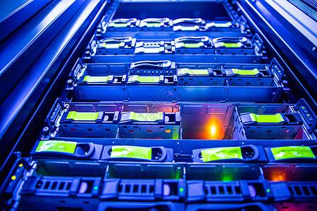 电信互联网机房硬盘图片