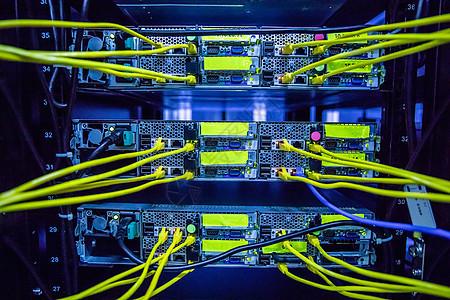 电信数据机房交换机特写图片