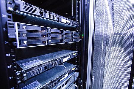 互联网机房硬盘图片