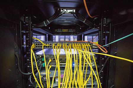 机房交换机网线图片