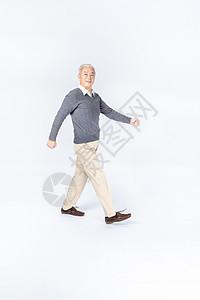 老年人散步图片