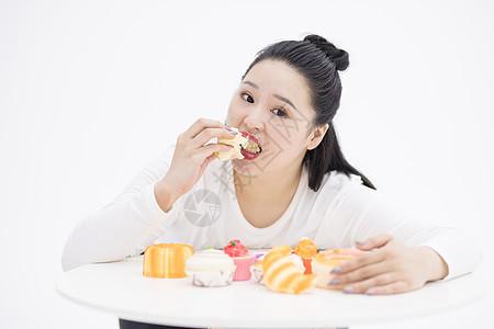 吃甜食肥胖图片
