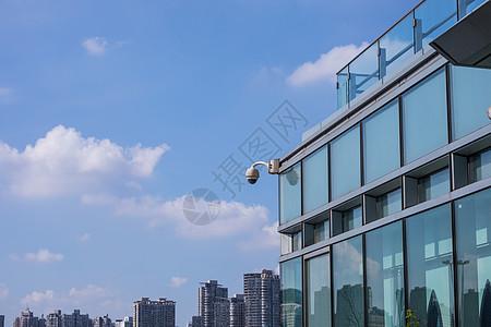 大楼上的监控摄像头图片