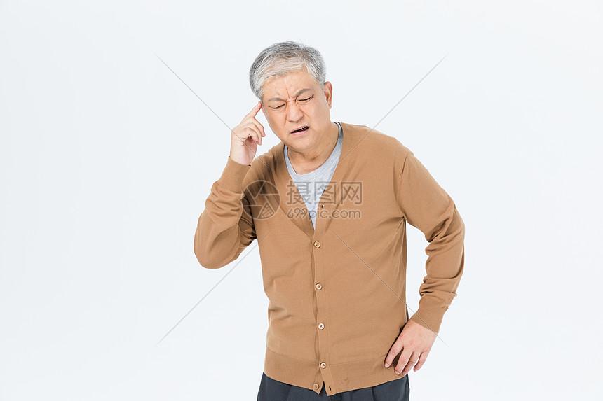 老年男性头疼形象图片