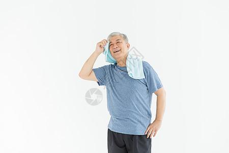 老年人运动擦汗图片