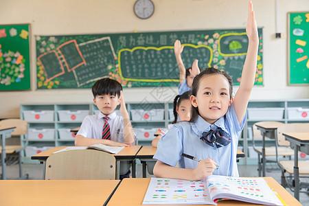 小学生举手图片