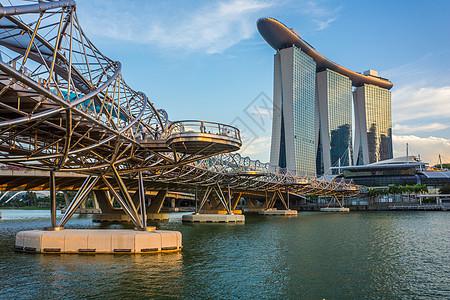 新加坡滨海湾双螺旋桥和金沙酒店图片