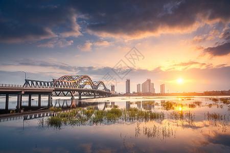沂蒙邻水生态小城沂水跨河桥梁景观图片
