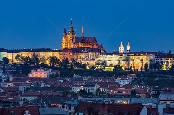 捷克布拉格城堡夜景图片